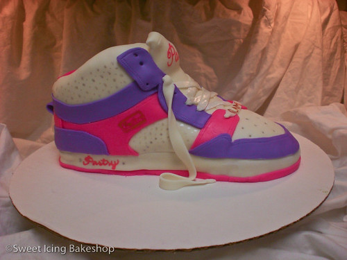 Pastry Sneaker Cake (Glam Pie High)