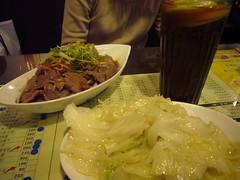 腐乳炒高麗菜 ($100)、白灼肥牛肉 ($200)