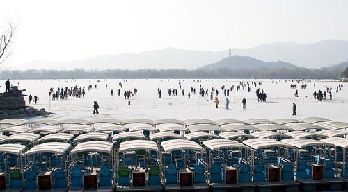 Walkers on Kunming Lake