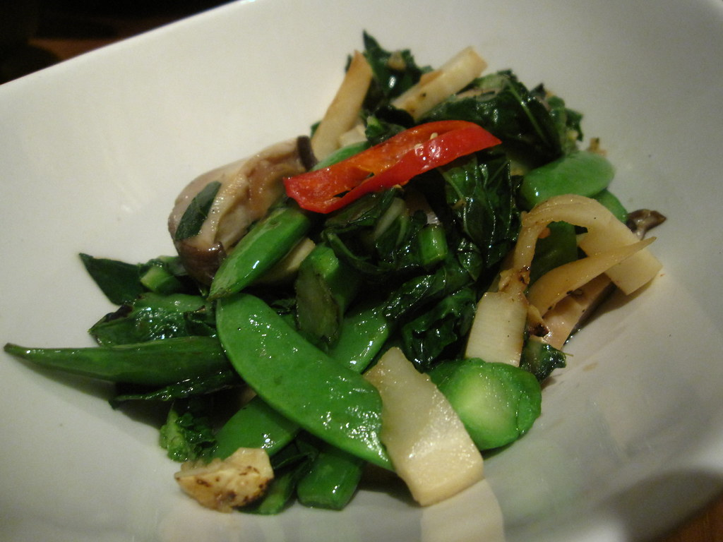 Stir-fried Asian Vegetables with Garlic and Ginger-soy Sauce