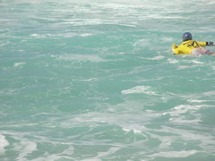 Brave soul (ronin_beav) Tags: oahu surfing banzaipipeline