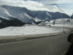 Mountains and road in Loveland Pass