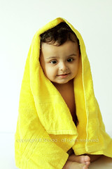({ Shuaa / ) Tags: shuaa  saleh  yellow towel  kid baby   cute light sun 50mm canon450d