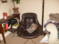 Brown leather egg chair (1) and stool (muralist1) Tags: furniture badgers copse