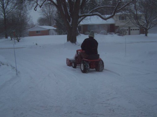 1967 Wheel Horse Lawn Ranger with 32 inch snowthrower