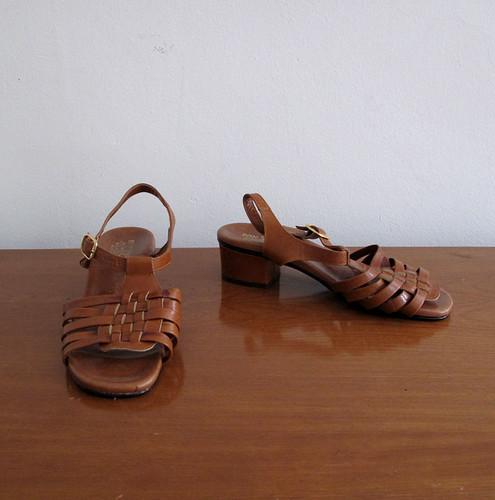 vintage sandals size 7