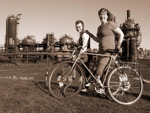 Nova & Silvie: Ride Organizers by www.tubulocity.com.