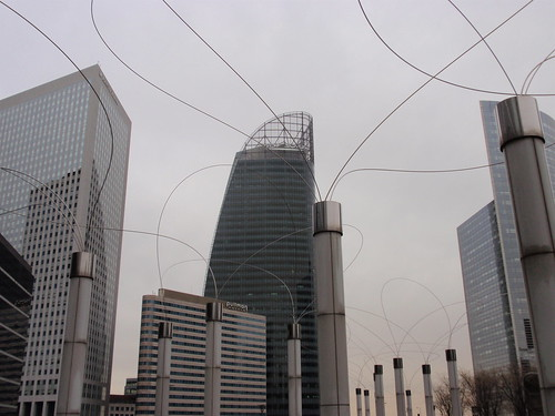 La Defense wires