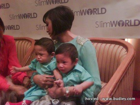 Gambar Anak Kembar Ziana Zain di Majlis Slim World Beauty House