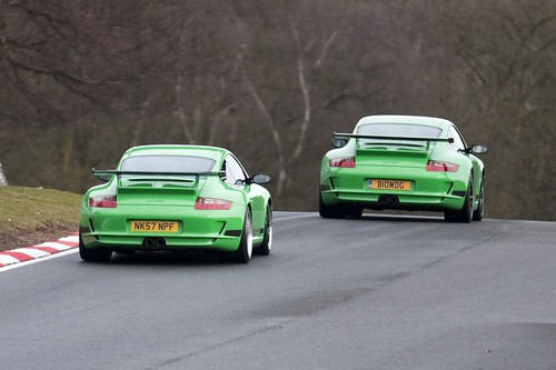 Two Viper Green GT3RSs at Oulton Park