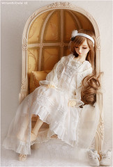 My Valeria has arrived ! (MiriamBJDolls) Tags: doll sofa sd nana bjd valeria sweetdream superdollfie volks limitededition swd dollpa22