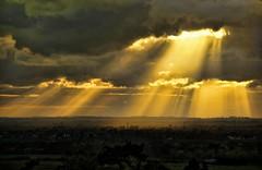 Easter Monday. (algo) Tags: uk light england sun sunlight clouds easter interestingness topf50 shadows topv222 explore valley rays monday algo sunbeams chilternhills aylesburyvale explore82