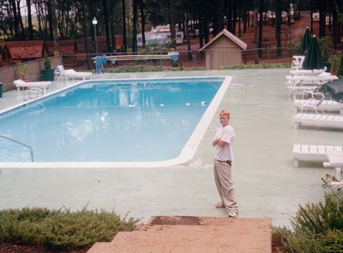 Moms Pool