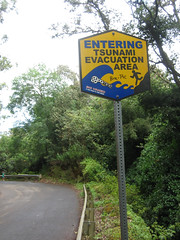 Entering Tsunami evacuation area (carlossg) Tags: island hawaii waterfall big unitedstates evacuation tsunami valley area entering waipio kukuihaele
