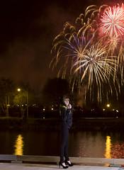 Katie and the bayfront fireworks (Raf Ferreira) Tags: ontario canada long exposure fireworks katie hamilton rafael strobe bayfront hfg ferreira peixoto strobist