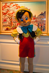 DLP Feb 2010 - Meeting Pinocchio at the Disneyland Hotel