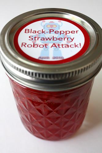 Black Pepper Strawberry Robot Attack!