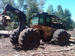 CAT 525B Skidder with Winch in NC 03 (Jesse Sewell) Tags: cat forsale forestry logging 360 caterpillar 525 winch 630 deere 660 grapple 545 620 catarpillar 560 tigercat 460 timberjack 848 catrpiller 648h singlearch 525b 360c 450c 560c 610c 660c 620c catrpillar 540h 640g 535b 460c 525c wwwskidderzonecom skidderzone 518c 540g dualarch 535c wwwjessesewellwordpresscom wwwyoutubecomuserskidderzone wwwflickrcomphotosskidderzone 545c 648g 748g 548g 548g2 548gii 540g2 540gii 540giii 548g3 540g3 640g2 640gii 640giii 640g3 640h 548h 748h 848h 848g3 848giii 848g2 648gii 630c 630d e620c