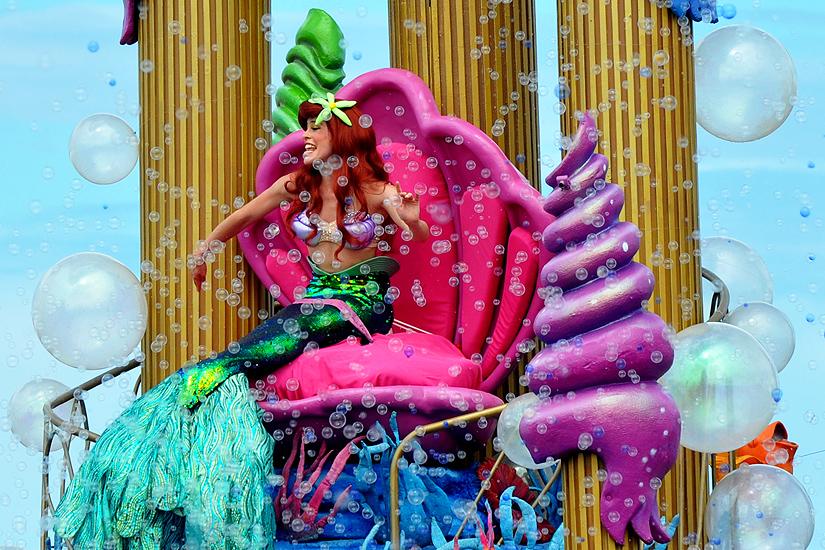 soteropoli.com fotos de salvador bahia brasil brazil parada walt disney 2010 mickey donald pluto nemo pooh toy story by Marta_Helena_Gonda2.jpg
