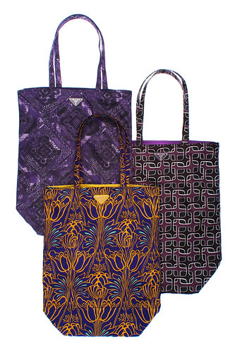 Prada_print_shopping_bags
