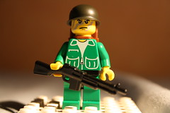 BAR Trooper (|Nemer|) Tags: soldier lego vietnam minifig brickarms