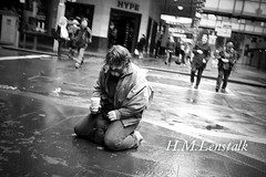 Aussie Streets (H.M.Lentalk) Tags: life street leica people streets person blackwhite community oz homeless sydney australian documentary australia beggar 24mm aussie f28   x1  urbanlife  36mm humanities elmarit  hmlenstalk