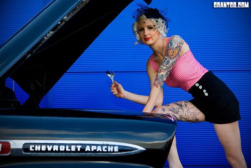 Betty Bones and the 59 Apache - Custom Car 2010 - IMG_2299