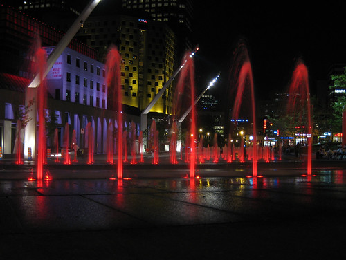 place des spectacles fountains at night