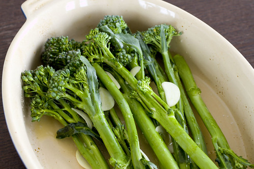 broccolini with garlic and olive oil 2