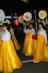 ladies in hanbok (Little Raven) Tags: holiday asia downtown buddhism parade seoul lantern southkorea jongno   buddhasbirthday lotuslanternfestival jongnogu lotuslanternparade