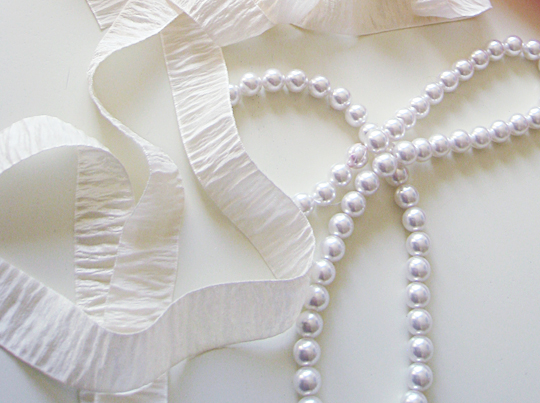 Bark Ribbon and Pearl Necklace -Materials