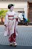 まめ春 (Pulsarín) Tags: japan kyoto candid maiko gion 2010 japón robado tamron1750mm nikond90 mameharu まめ春