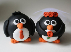 Round Penguin Wedding Cake Topper (fliepsiebieps1) Tags: wedding penguin handmade polymerclay caketopper pinguin taarttopper