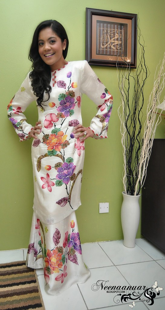 Abstract Kurung Modern!