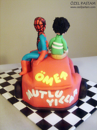 Ömer'in Örümcek Adam ve Şimşek McQueen Pastası / Lighting McQueen And Spiderman Cake