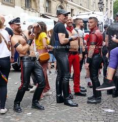 """bootsservice 17 1600606 (bootsservice) Tags: paris """"gay pride"""" """"marche des fiertés"""" bottes cuir boots leather sm motards motos motorcyclists motorbiker caoutchouc rubber uniforme uniform"""