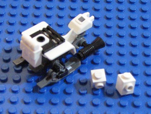 2010 LEGO Star Wars 8084 Snowtrooper Battle Back