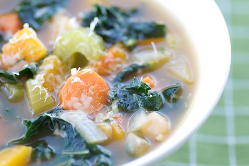 easy butternut squash, kale, and chickpea soup 0018