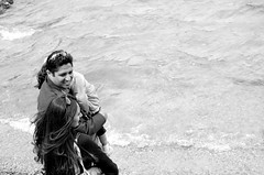 A Quiet Familial Walk on the Beach (Almond Butterscotch) Tags: family wyoming grandteton grandtetonnationalpark jennylake grandtetonnatlpark walkonthebeach zahraa amjeda naeemaa facebook:user=1634997220