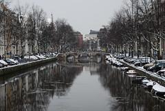 Prinsengracht (***Roel***) Tags: pink winter snow holland green ice water amsterdam canal december bicycles prinsengracht kanaal 2009 jordaan noord roel