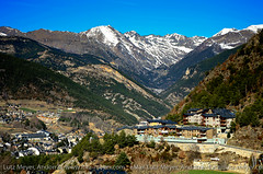 La Massana city, Parroquia de La Massana, Vallnord, Andorra, Pyrenees (lutzmeyer) Tags: city winter mountain primavera nature berg landscape march photo spring montana foto image natur natura paisaje landschaft mrz andorra pyrenees iberia pirineos pirineus paisatge pyrenen hivern arinsal frhjahr totale berblick vallnord comapedrosa anyos lamassana aldosa lamassanacity cs335