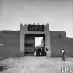 1942 fbe5237734aced97_large (oboudiold) Tags: sahara vintage kingdom arabic saudi oldphoto saudiarabia binsaud midelleast