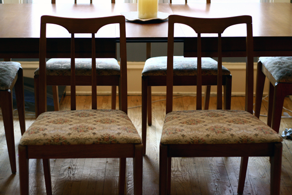 DIY Recover your Dining Room Chairs it's EASY
