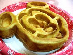 Mickey Waffle (hello sandy) Tags: breakfast disney resort disneyworld intermission waltdisneyworld foodcourt waffle allstarmusic allstarmusicresort mickeywaffle musicresort