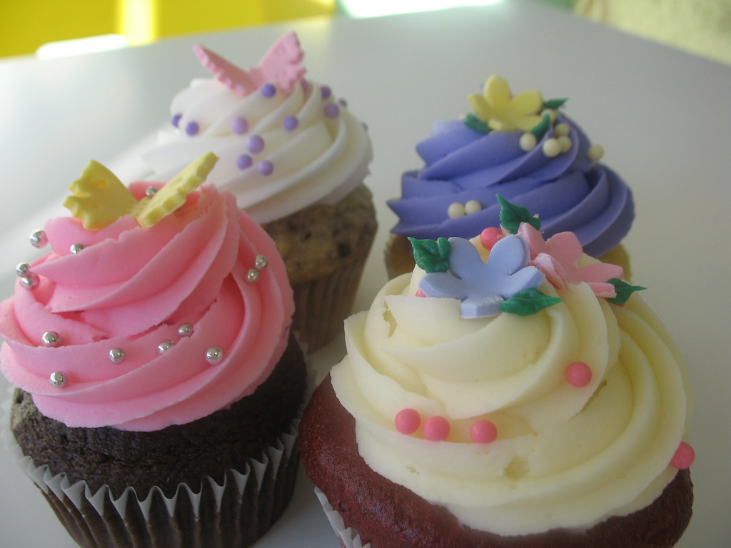 Beautiful buttefly and flower cupcakes from chicagos beautiful cakes izmirmasajfo