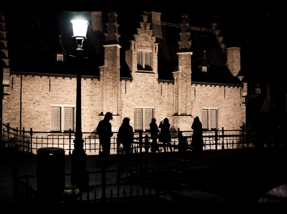 six_fenetre_cinq_silhouette