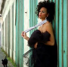 Tropicalismo (steph_ie) Tags: woman beauty fashion dof mulher brunette bela morena brasileira stephaniebastos