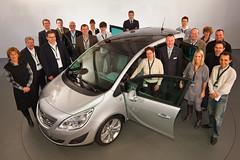 Neuer Opel Meriva Team-Gruppenbild