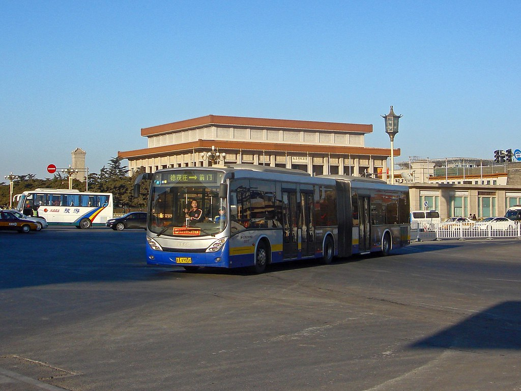 [Buses in Beijing]????? CBC-Iveco CJ6180GCH EuroRider ?????? BPT #B0016 Front-left at Qianmen