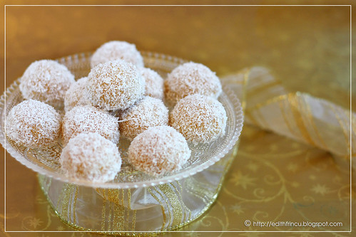 Arabian coconut biscuits